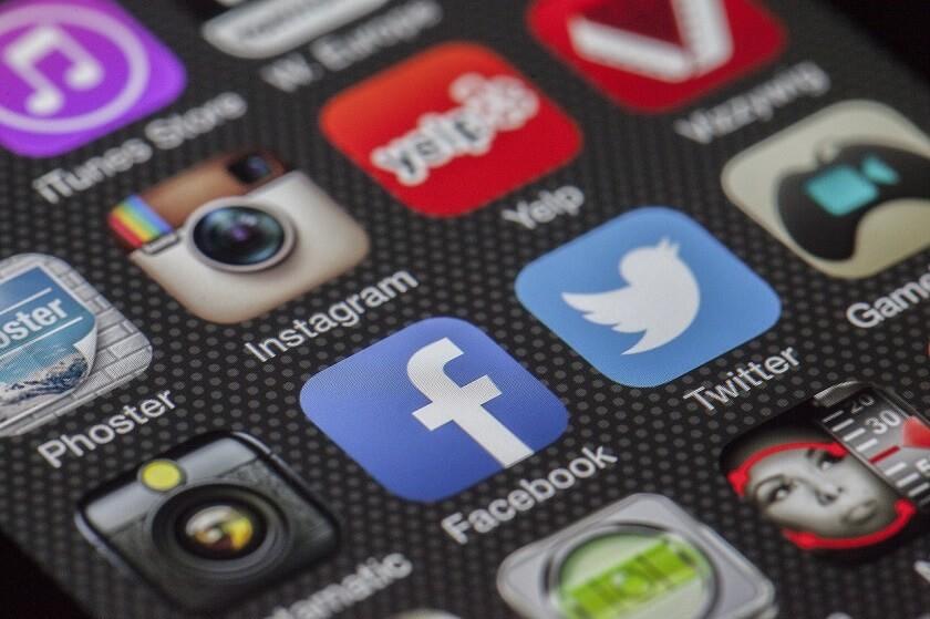 Facebook-Twitter-Ads-1