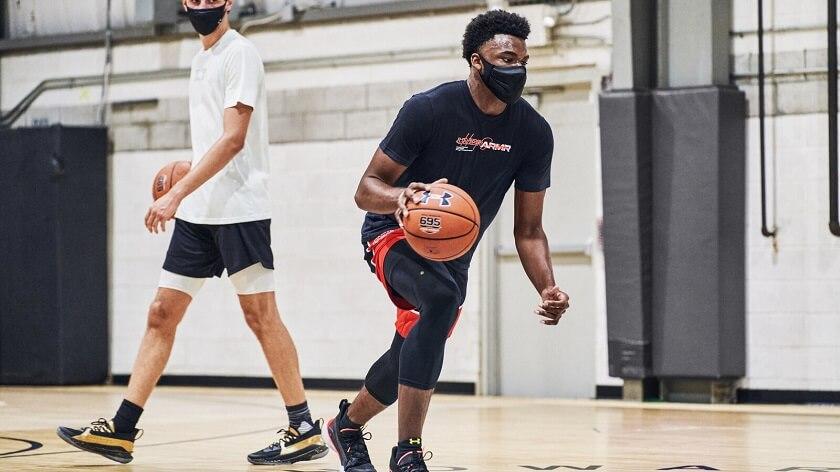 UA-Sportsmask-Deonte-Harris-Training