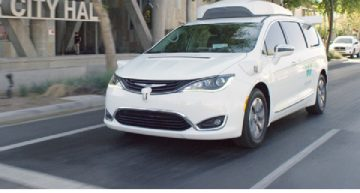 Fiat Chrysler Automobiles and Waymo sign exclusive deal