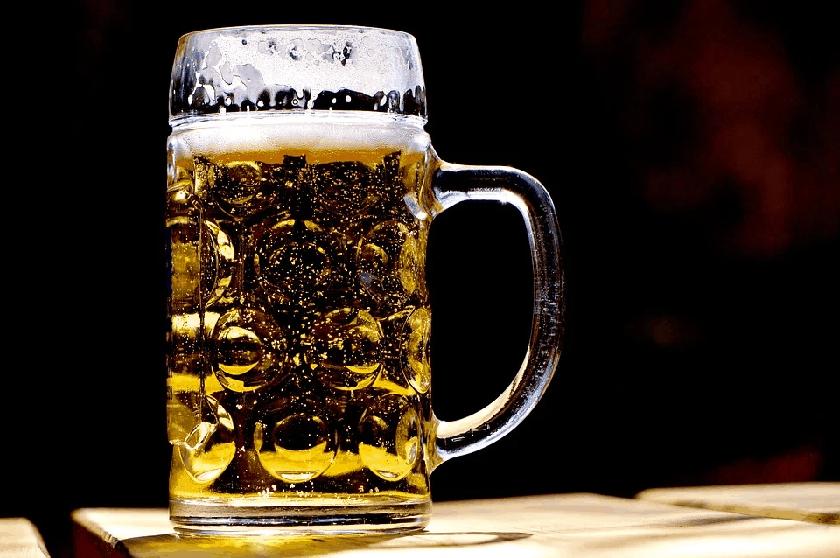 beer sales alcohol consumption coronavirus pandemic,