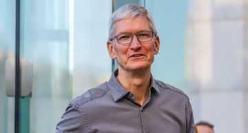 Apple CEO Tim Cook Enters the Billionaire's Club