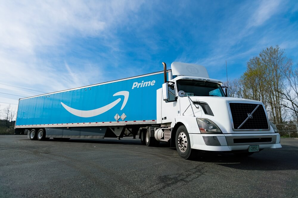 Amazon to run on natural gas trucks for delivery