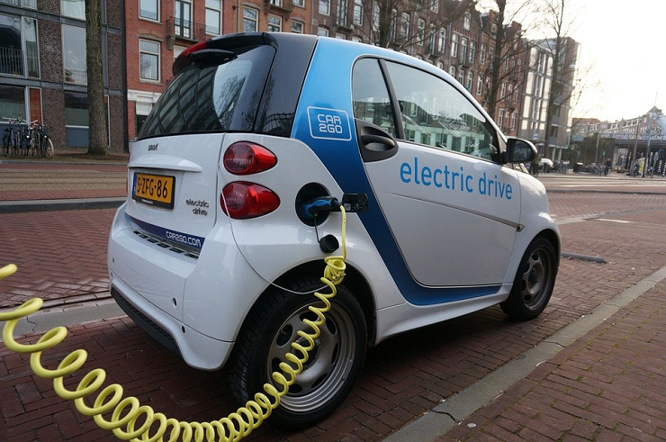 California to levy taxes on electric vehicles