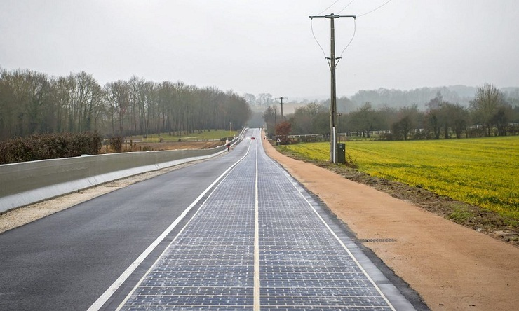first-solar-panel-road-in-france