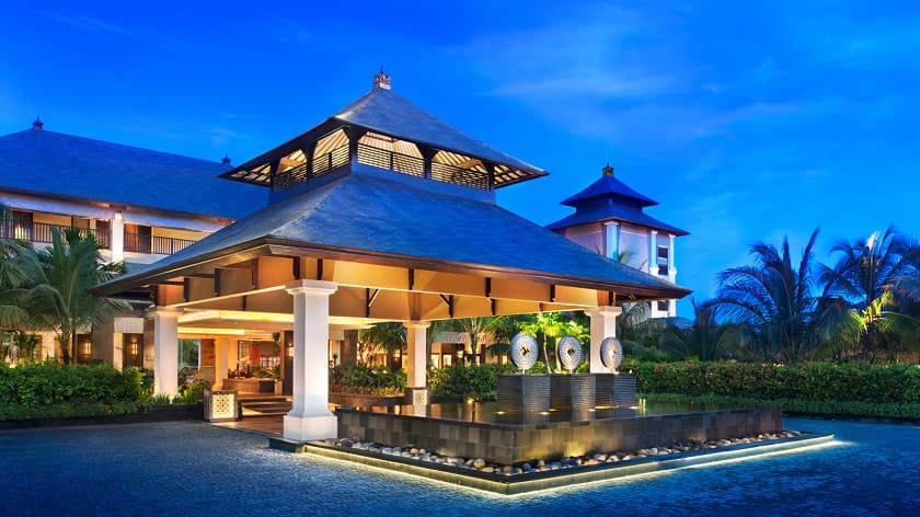 Porte-Cochere-at-Dusk st regis bali resort
