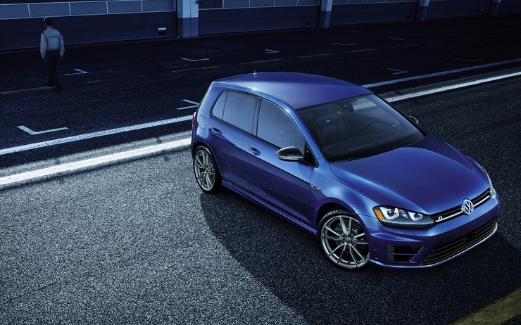 Volkswagen Golf R_01