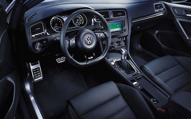 Volkswagen Golf R_02