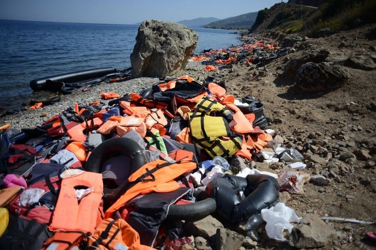 artist uses dumped life jackets