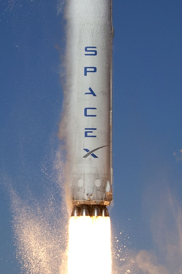 spacex satellite internet to use falcon 9 rockets