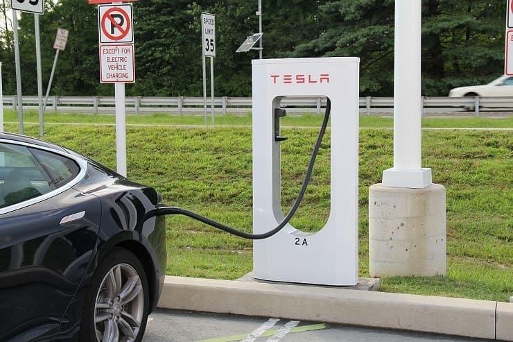 tesla free charging station