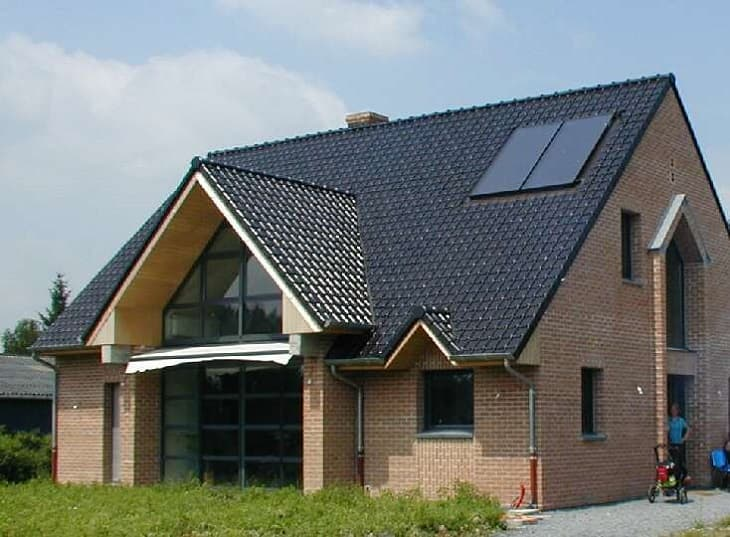 tesla-glass-solar-roof-tiles