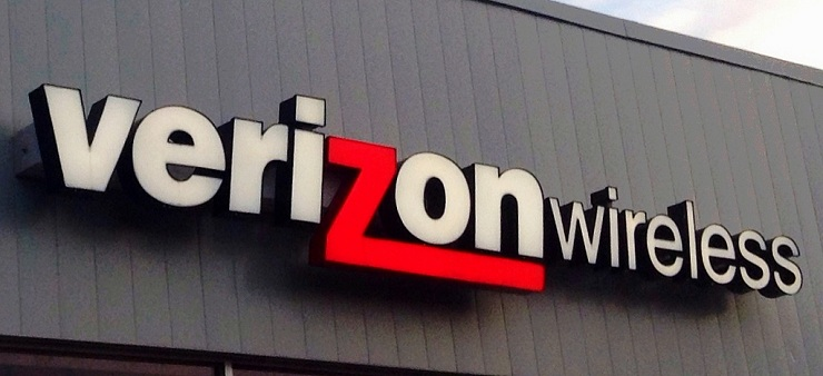 verizon wins bidding for straight path communications
